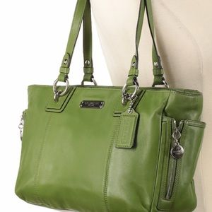 Green zip detail tote bag from Coach F19252
